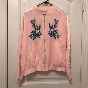 Jackets & Blazers - VINTAGE Pink Embroidered Jacket